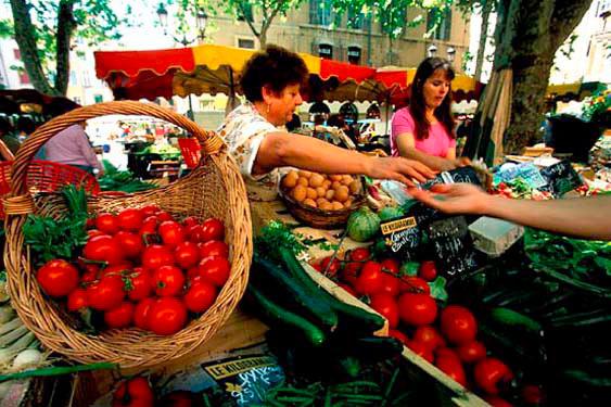 Market, Place Richelieu, Aix-en-Provence