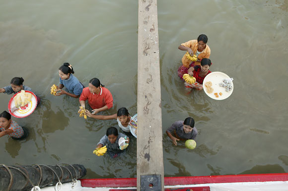 fruit sellers, Irrawaddy River